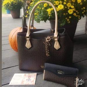GUESS Handbags set